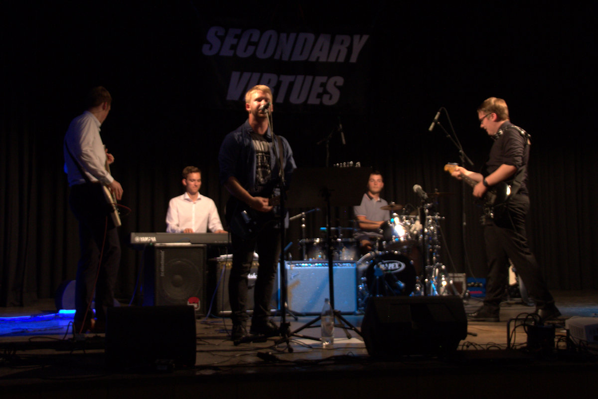 Secondary Virtues am 22.06.19 beim Abiball der ESS